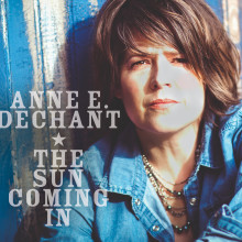 Anne E DeChant